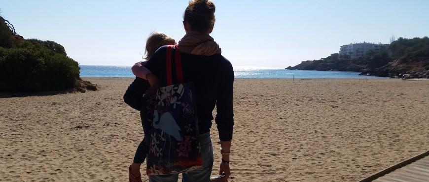 Verlaten strand Ibiza
